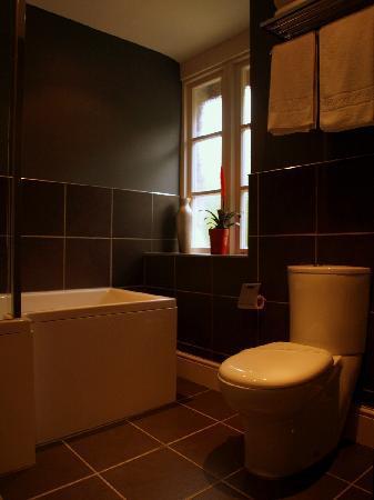 The Crown Country Inn: Bathroom room nr 1
