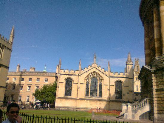 Evan Evans Tours: Oxford-University Church St.Mary the Virgin