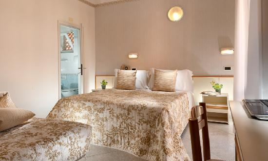 Hotel Lina : foto camera