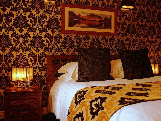 The Crown Country Inn: Room 2