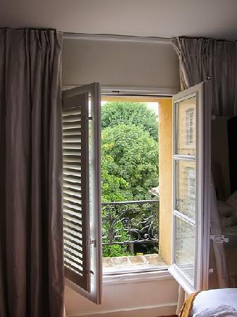 La Maison d'Aix : loved the shuttered windows
