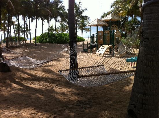Lago Mar Beach Resort & Club: Hammocks and Playground