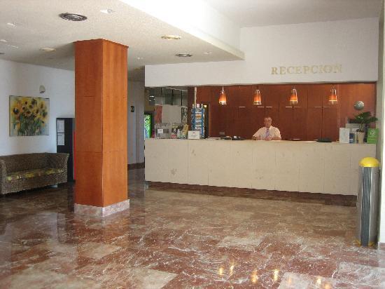 Hotel San Fermin: Recepción