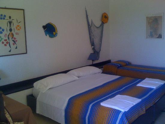 Residence I Ciclopi: la camera