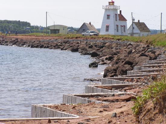 Holiday Inn Express Hotel & Suites Charlottetown: Rugged shoreline