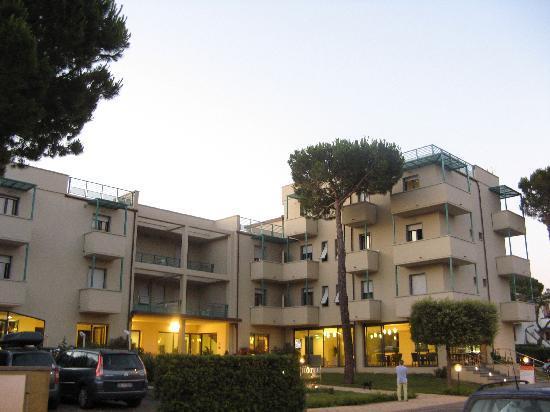 Hotel Flora: hotel dall'esterno
