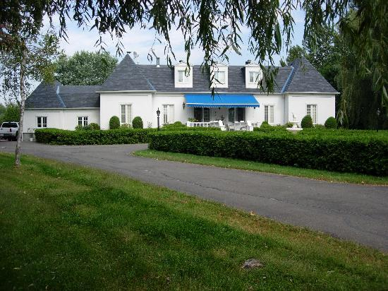 Domaine D'Amour: The B&B