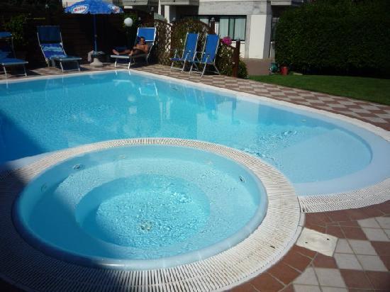 Al Cacciatore: Pool