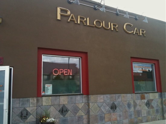 Parlour Car Bistro: Here is our outdoor entrance