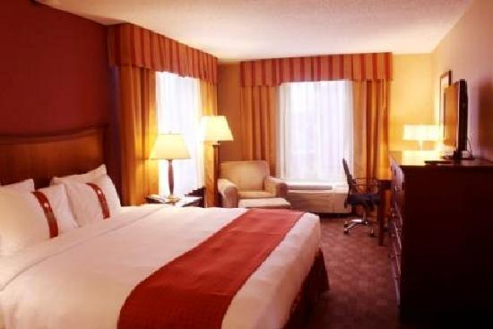 Holiday Inn Grand Rapids Downtown: Enjoy a great city view from our Corner King Bed Room