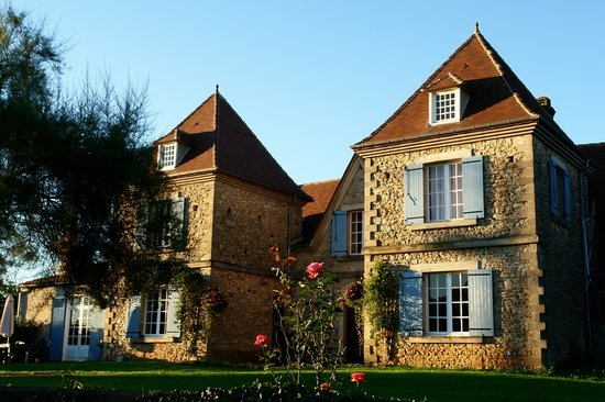 Front view of Le Chevrefeuille