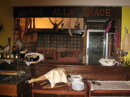 cucina - carne alla brace - Foto di Borgo Antico, Roma - TripAdvisor