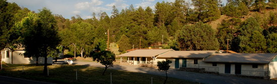 Lake Roberts Motel: Main Photo