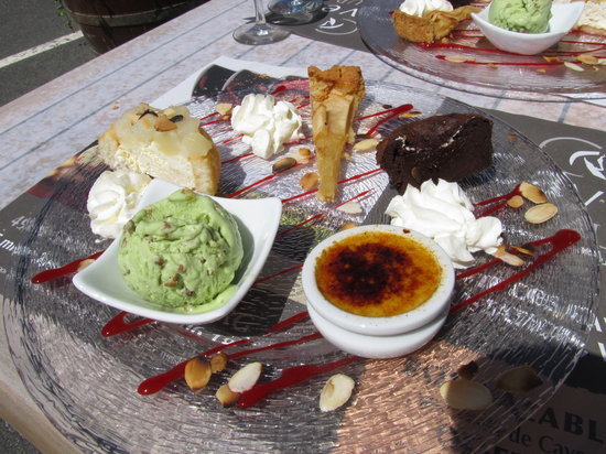 Auberge du Thouet: Killer Dessert Sampler