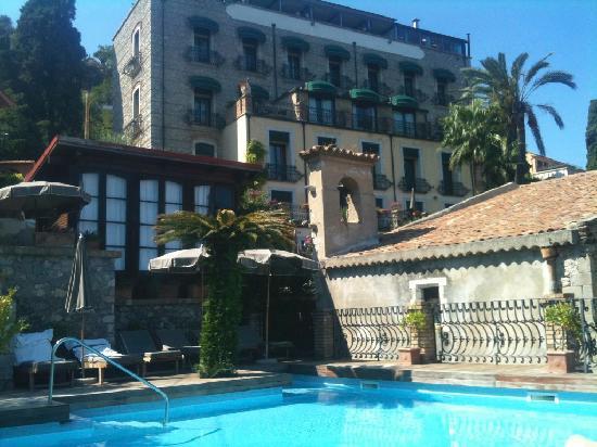 Hotel Villa Carlotta : Hotel view from the pool area