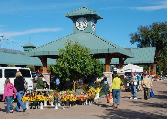 Downtown Farmers Market: Eau Claire Farmer's Market