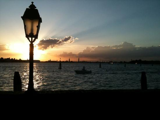 Lido di Venezia, Italië: This is the view from our private hotel garden.