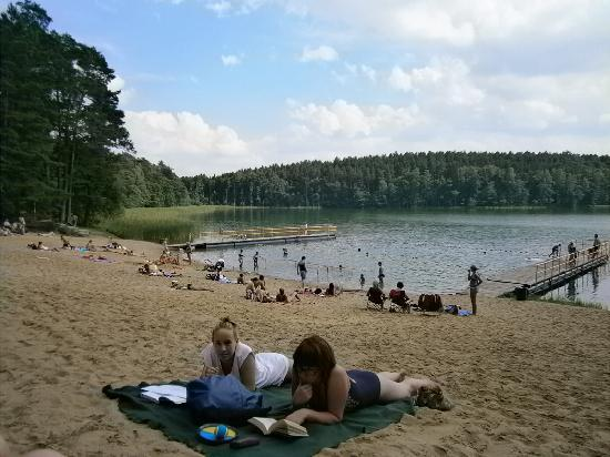Zbiczno: Lake Zbicno with beach and holiday cabins