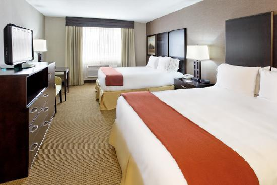 Holiday Inn Express & Suites Canyonville: Two Queen Standard