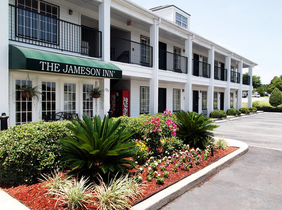 Baymont Inn & Suites Valdosta at Valdosta Mall: Welcome to Jameson Inn Valdosta!