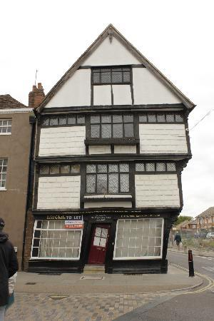 Canterbury Guided Tours: Leaning house of Canterbury