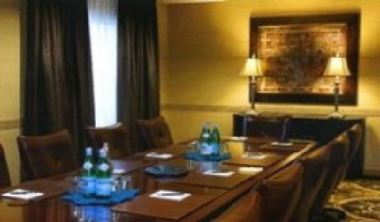 Hawthorn Suites by Wyndham West Palm Beach: Executive Boardroom