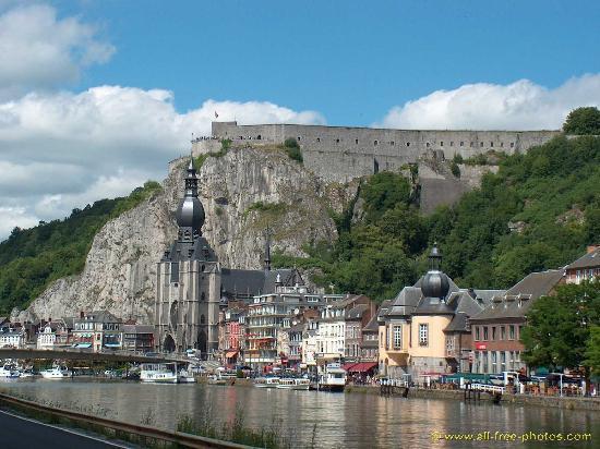 La Citadelle de Dinant : Colegiata y fortaleza