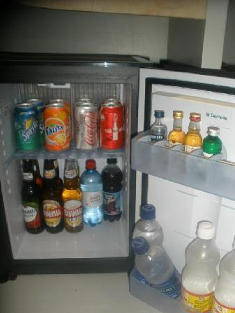 Iberostar Grand Hotel Bavaro: fridge
