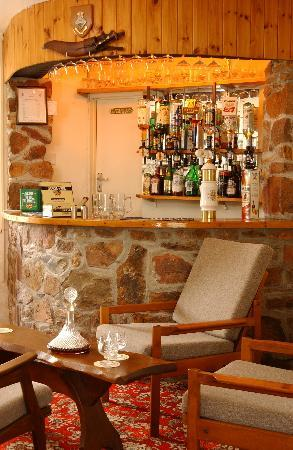 Sunnymeade Country House: The Bar
