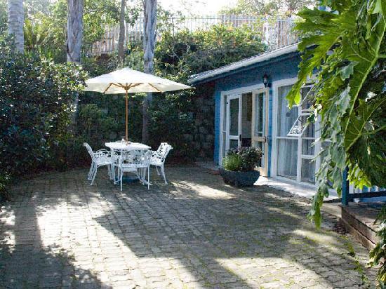 Knysna Herons Guest House: Guest Outdoor Garden area