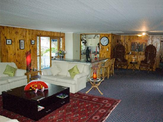 Knysna Herons Guest House: Guest Lounge area