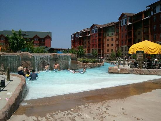 Wilderness at the Smokies Resort: lazy river