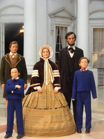 Springfield, IL: The Lincoln family in the White House days.