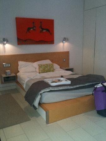 Kimber Modern Hotel: My bed in the Orange Room