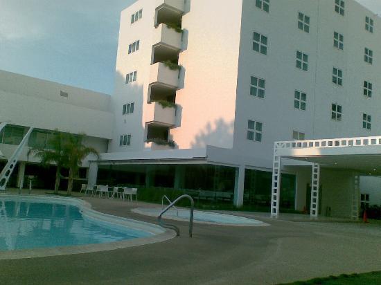 Hotel Kristoff: Pool area