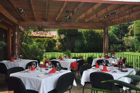 Jardin Restaurant: Out Door Dining