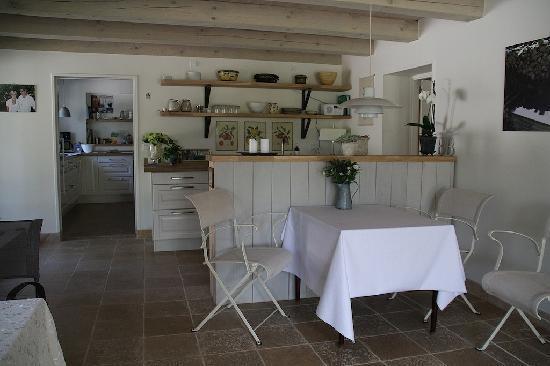 B&B Hotel Albertine : Part of common livingroom