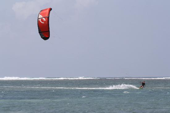 Diani Sea Lodge: Kitesurfing
