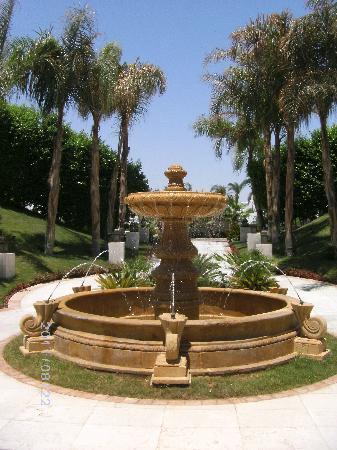 Le Royale Sharm El Sheikh, a Sonesta Collection Luxury Resort: Entrance of hotel