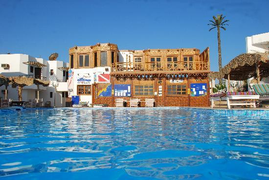 Dyarna Hotel: swimming pool