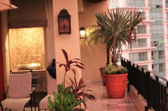 Vallarta Torre: Penthouse patio - looking towards master bedroom