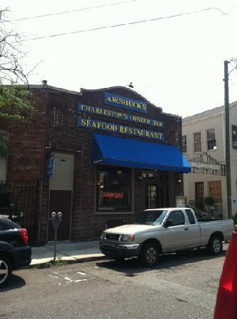 A W Shucks Seafood Restaurant & Oyster Bar: outside
