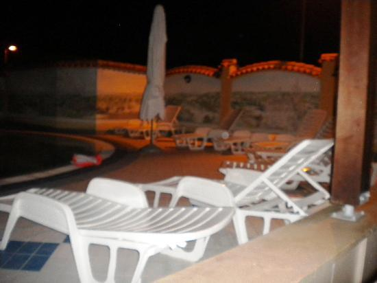 Vodnjan, Croatia: Pool am Abend