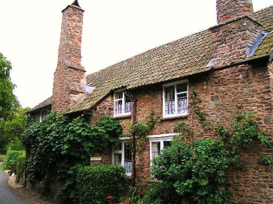 Tudor Cottage B&B