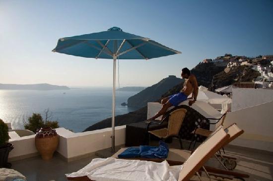 Villa Renos: hotel view