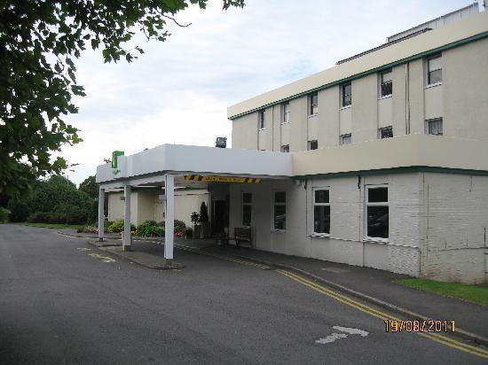 Holiday Inn Stoke on Trent M6: Hotel Entrance