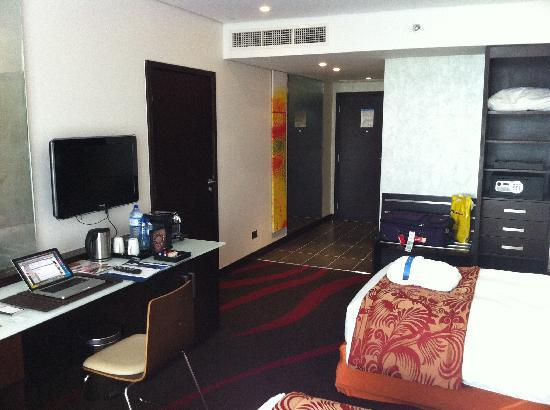 Radisson Blu Hotel, Abu Dhabi Yas Island : Business Class room