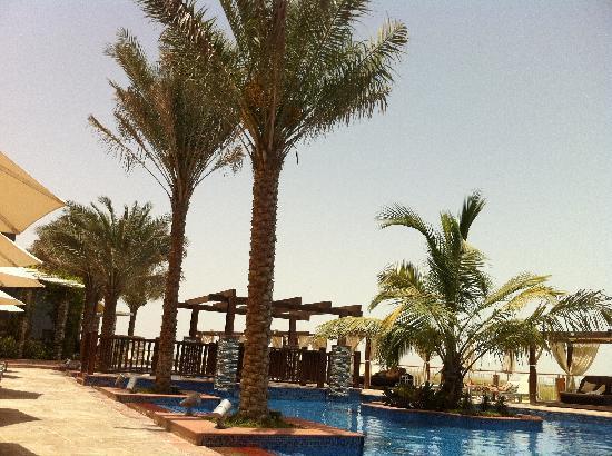 Radisson Blu Hotel, Abu Dhabi Yas Island: Poolside