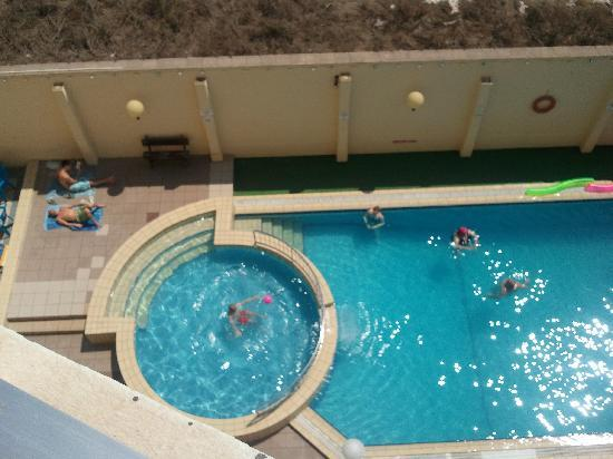 ‪‪Mavina Holiday Complex‬: pool from 4th floor‬