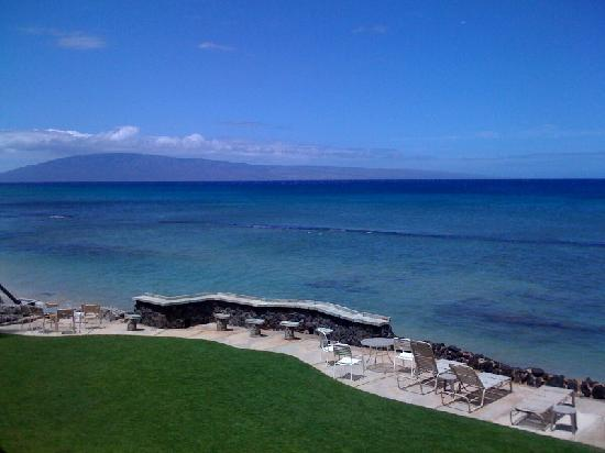 Kaleialoha Condominiums: View from the balcony to the left